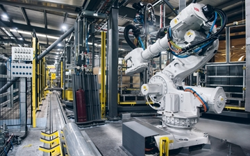Six-axes industrial robot in the automated filling plant in Sidney, Australia